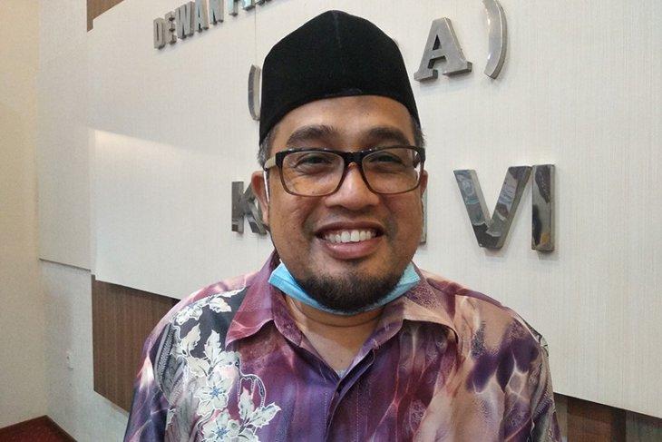 Komisi VI DPRA minta majelis dayah bekerja profesional