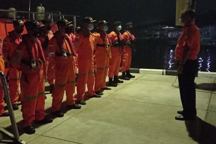 SAR Pontianak kerahkan kapal penyelamat cari ABK terjatuh di Muara Jungkat