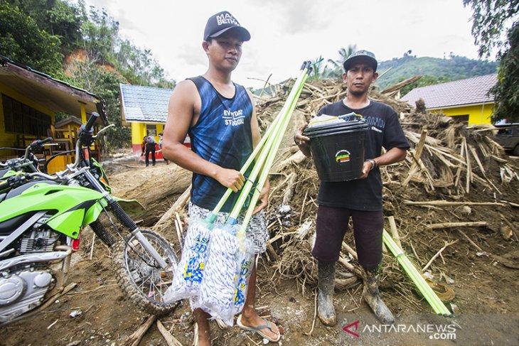 Satgas Banjir FAJI Kalsel Salurkan Bantuan Di Pedalaman Meratus