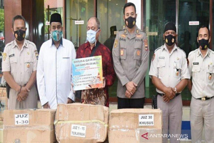 S Kalimantan Police provides Al Quran braille for blind people