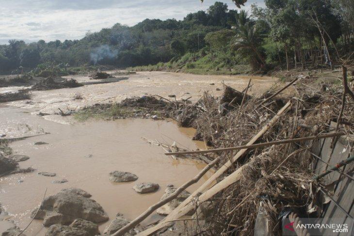 Flood: More than IDR2 billion loss on HST tourism