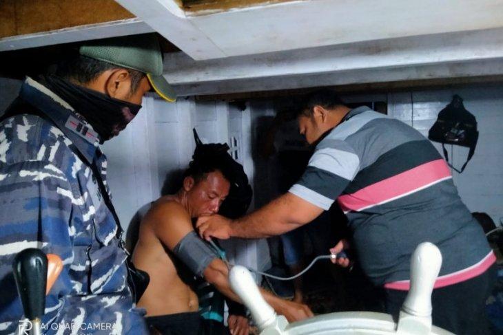 Basarnas Ternate selamatkan dua warga di perairan Sanana-Buru