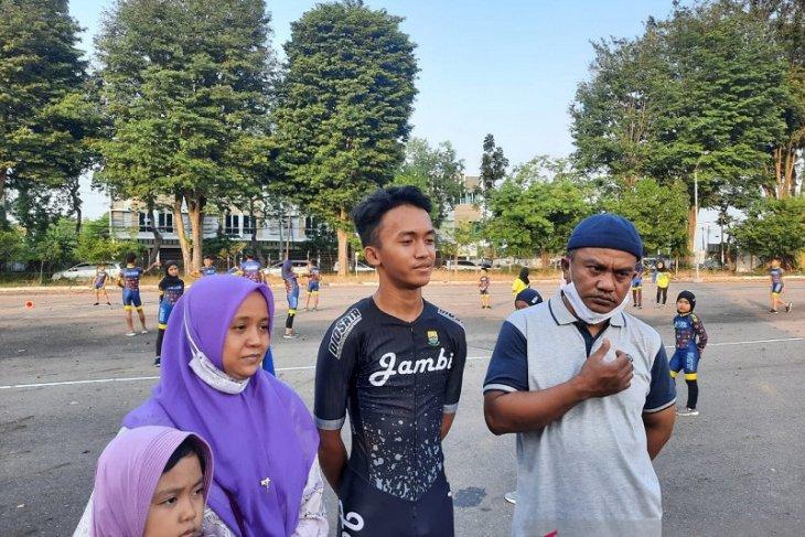 Atlet sepatu roda  Rafi Akbar,  putra Jambi pertama lolos ke PON Papua