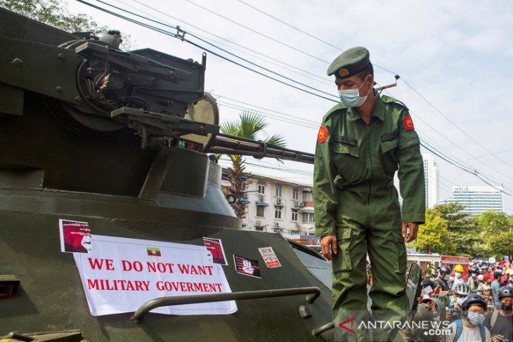 Terkait kudeta, Facebook blokir militer Myanmar