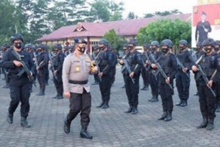 Iptu Robert C Purba pimpin 1 SKK Brimob Jambi bertolak ke Papua