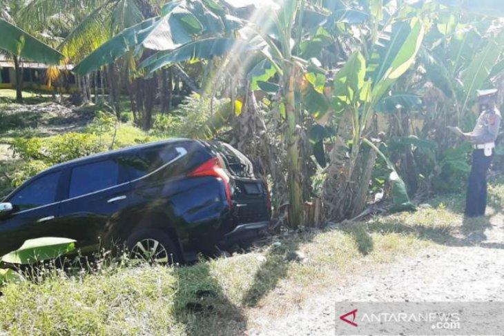 Mobil dinas Wabup Agam terlibat kecelakaan