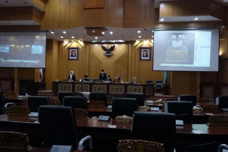 DPRD Surabaya gelar rapat paripurna usulan pemberhentian wali kota 2016-2021