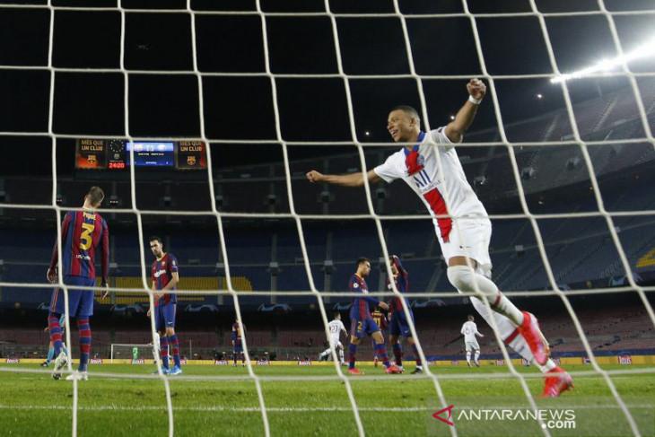 Mbappe cetak hattrick saat PSG bungkam Barcelona 4-1