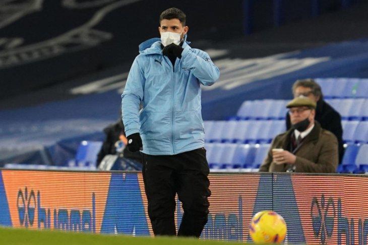 Pemain Manchester City Sergio Aguero belum tahu masa depannya