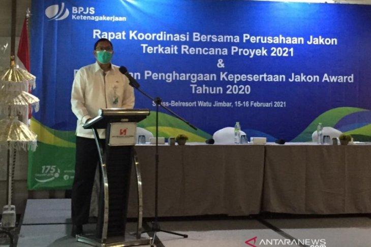 BPJAMSOSTEK Denpasar berikan penghargaan pada perusahaan jasa konstruksi