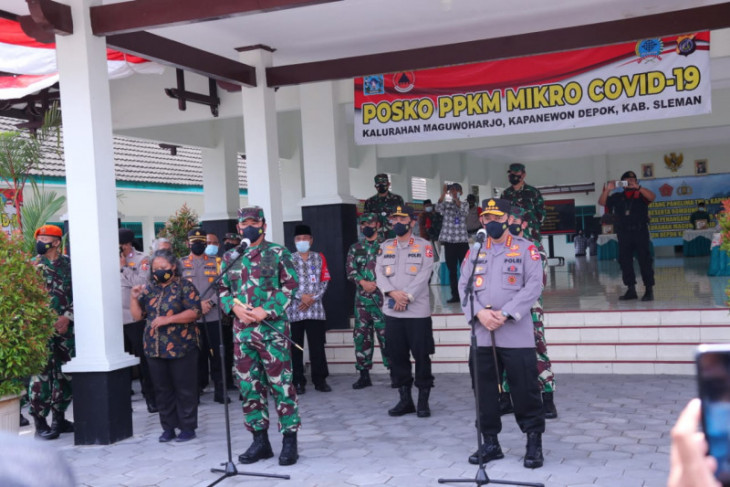 Military, police chiefs review micro-scale restrictions in Yogyakarta