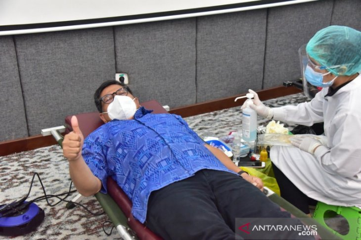 OJK Bali-Nusra gelar donor plasma konvalesen bantu pasien COVID-19