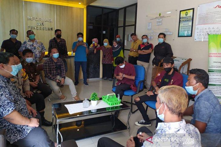 Nelayan datangi Kejati Bengkulu, desak beri efek jera bagi pengguna trawl