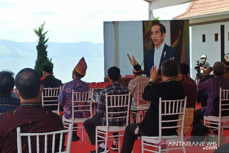 Presiden Joko Widodo resmikan kampanye Beli Kreatif Danau Toba