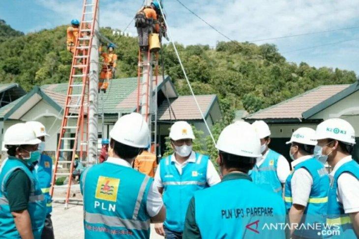 PLN putuskan aliran listrik Disdag dan Satpol PP Makassar karena menunggak