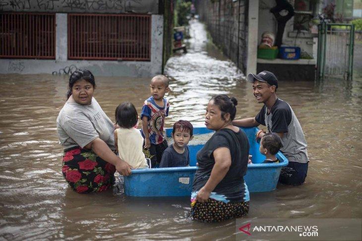 139 RT terdampak dan 1.380 jiwa mengungsi akibat banjir Jakarta