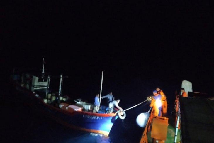 Basarnas Ternate selamatkan kapal nelayan di perairan Halsel