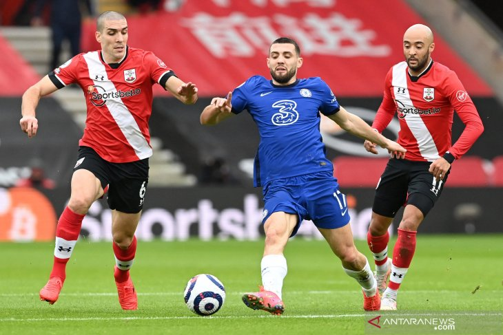 Alami cedera hamstring, Kovacic absen di semifinal Piala FA