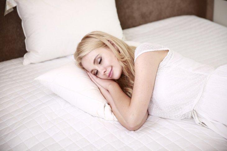 Manfaat tidur untuk yang berkulit