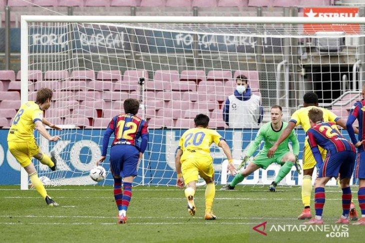 Cadiz imbangi Barcelona, Messi lakoni laga 506