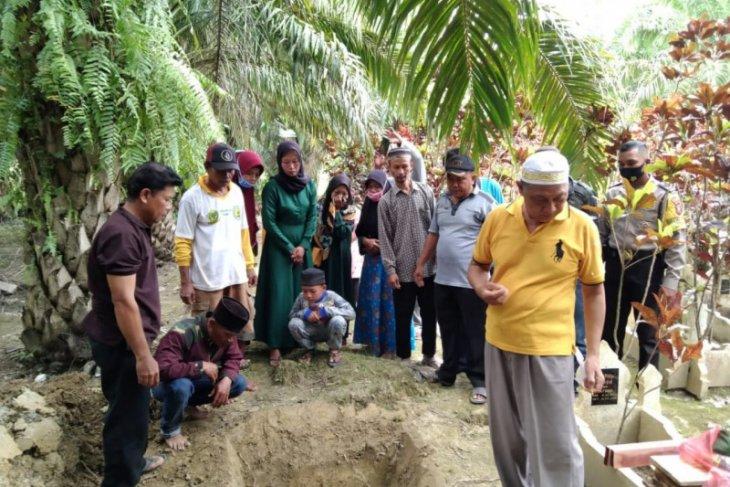 Tidur di keranda mayit, Suriono penduduk Pasar Gunung ditemukan meninggal