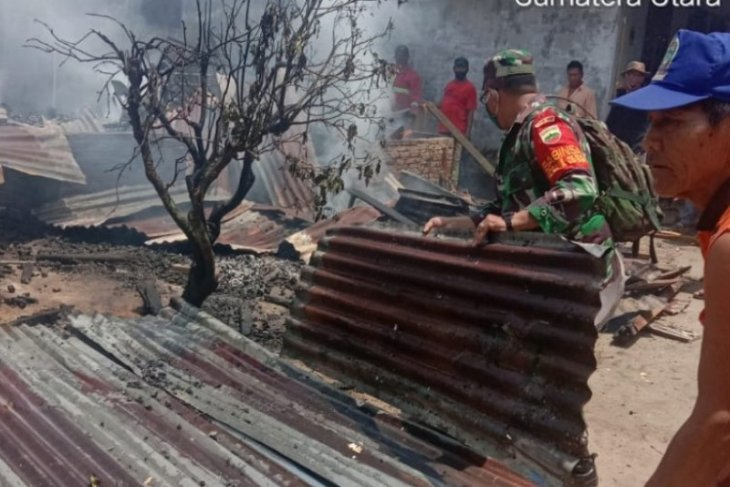 Tiga rumah di Sahkuda Bayu Simalungun terbakar
