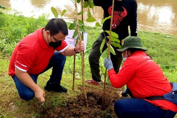 Ahmad Basarah: Bersih sungai jadi agenda wajib PDIP se-Indonesia
