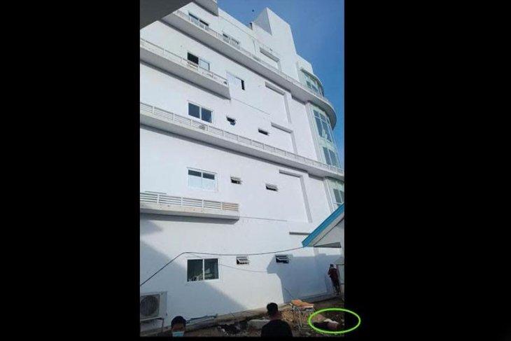 Pasien COVID-19 lompat dari lantai 5 rumah sakit