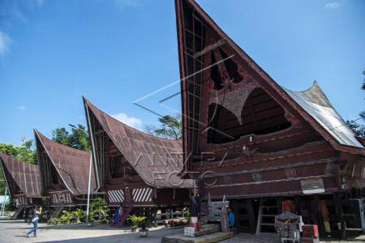 Wisata Sigale-gale Samosir