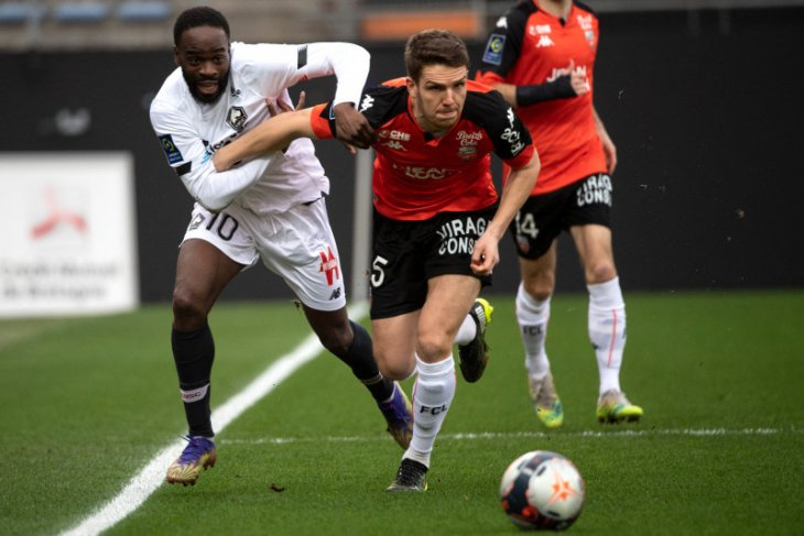 Liga Prancis: Lille pertahankan puncak klasemen setelah lumat Lorient 4-1