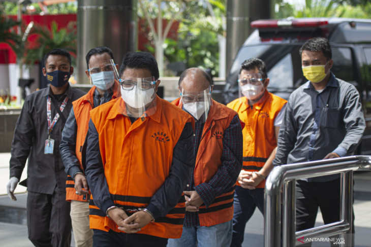 Sespri dan staf khusus mantan Menteri KKP Edhy Prabowo dieksekusi ke Lapas Sukamiskin