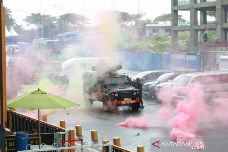 Gegana KorBrimob Polri latihan perang di Meikarta