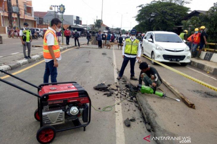 Kementerian PUPR bangun jembatan bailey di titik amblas Bekasi
