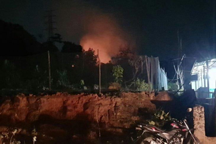 Bukit Panomboman di Sibolga terbakar