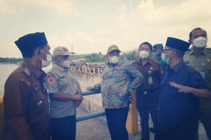 Bupati Langkat pantau pencarian warga hilang di Sei Wampu