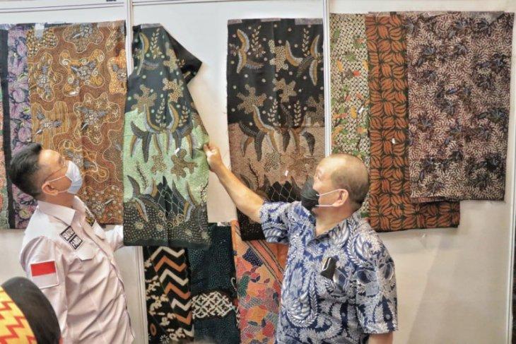 La Nyalla beri perhatian sentra batik tulis Bangkalan