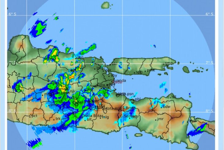 BMKG: Jatim memasuki peralihan musim hujan ke kemarau.