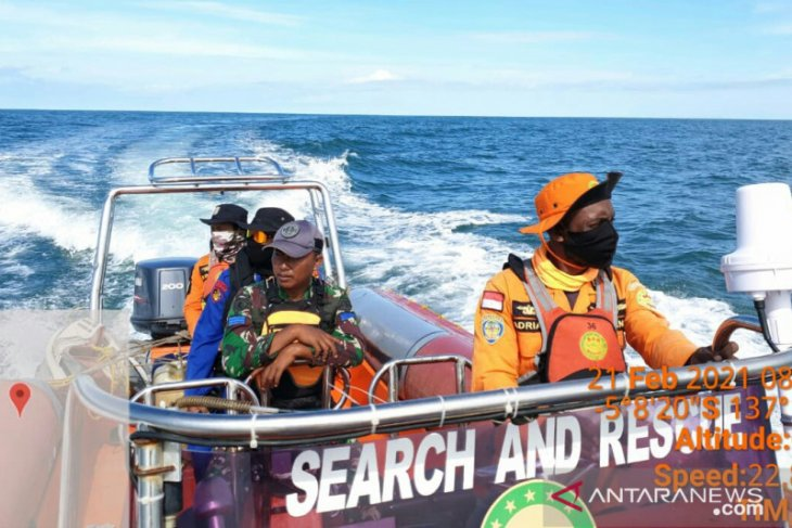SAR team continues tracing missing crew off Yapero Isle, Papua