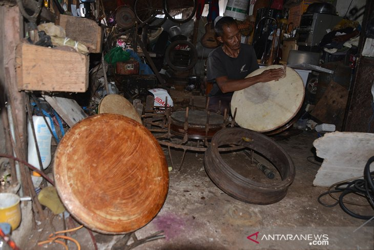 Perajin Alat Musik Tradisional Mulai Langka di Aceh