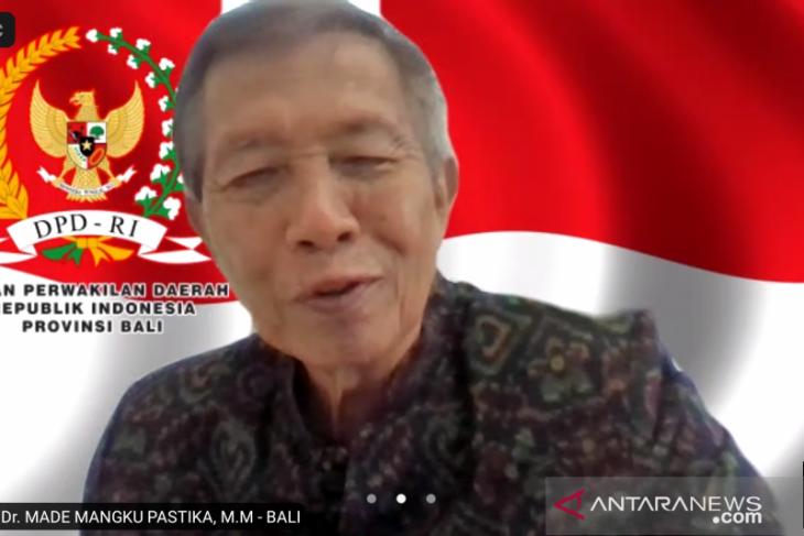 Anggota DPD berdialog dengan perajin endek Bali terdampak pandemi