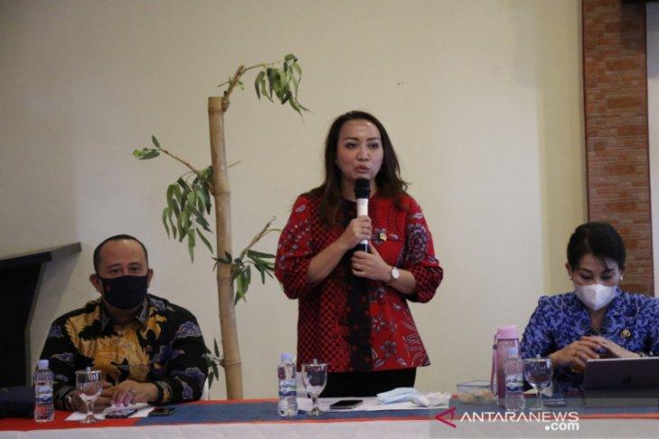 DPRD Kalbar minta Pemkot Singkawang gencarkan sosialisasi vaksinasi COVID-19