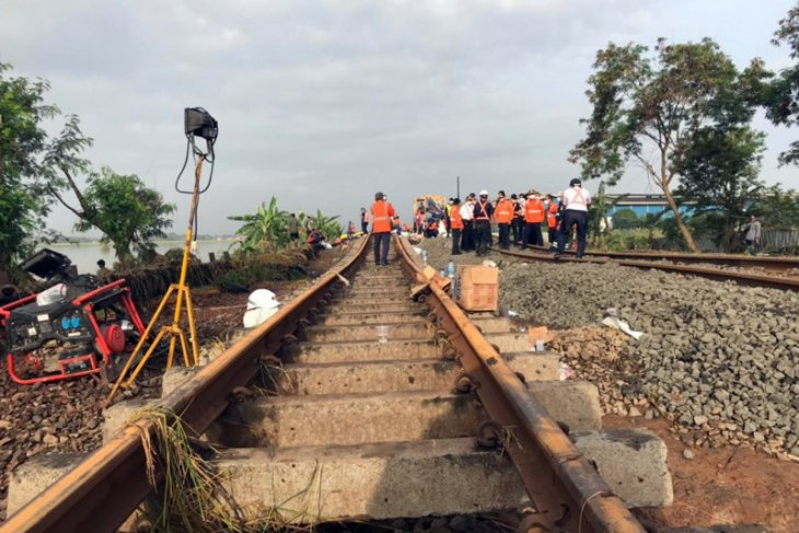Daop Madiun batalkan enam perjalanan kereta imbas banjir Jakarta