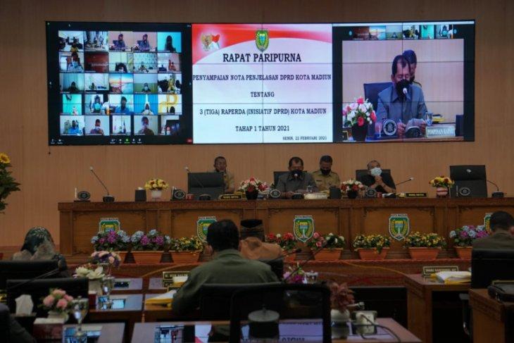 DPRD Kota Madiun sampaikan tiga raperda inisiatif