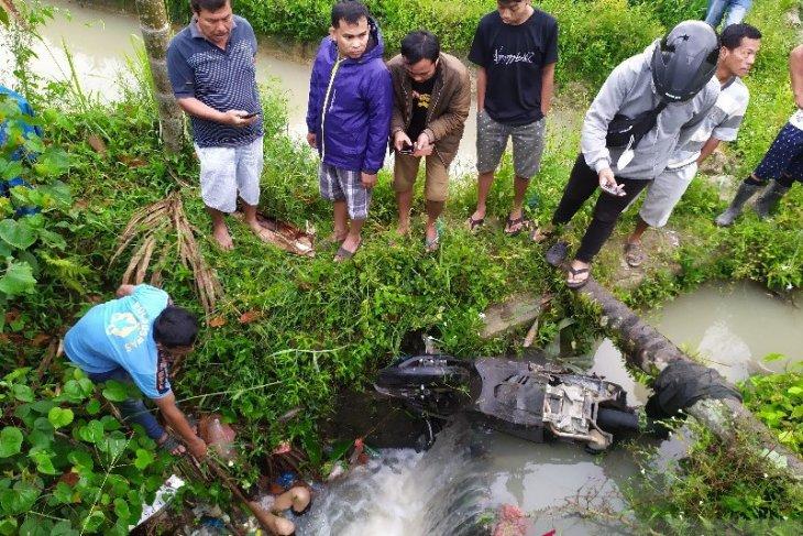 Warga Panei geger temuan mayat dan motor di paret Kampung Baru