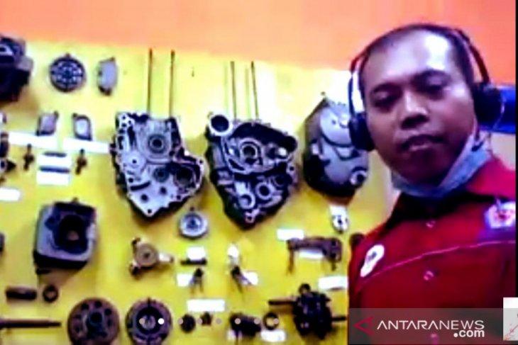 PT Indocement edukasi siswa SMK di Bogor teknik dasar sepeda motor secara virtual