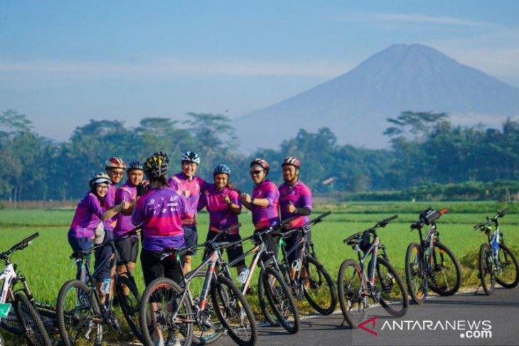 Tiket.com ajak gowes ke Borobudur