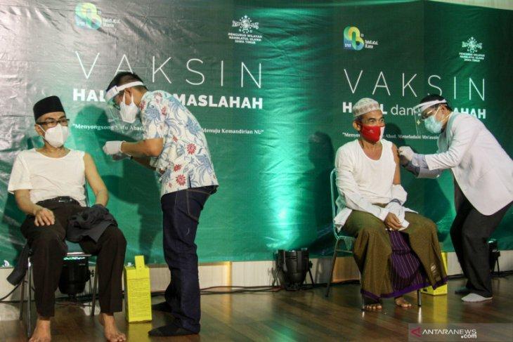 DPRD Surabaya sarankan Dinkes tambah petugas vaksinasi COVID-19