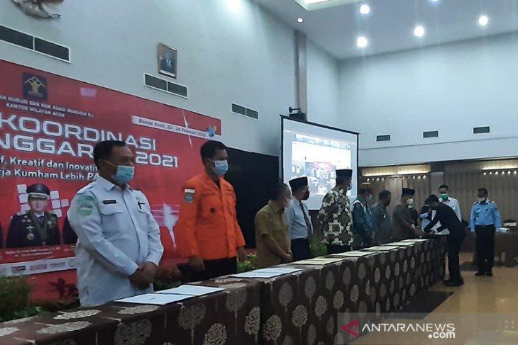 Kemenkumham Aceh berikan penghargaan kepada sembilan pemerintah daerah