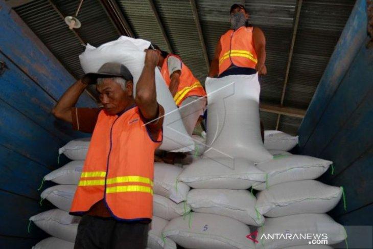 Stok beras di Bulog Maluku dan Malut aman
