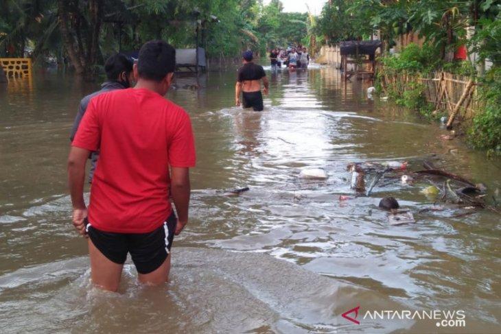 13 rumah di Bekasi rusak diterjang banjir akibat jebolnya tanggul Citarum